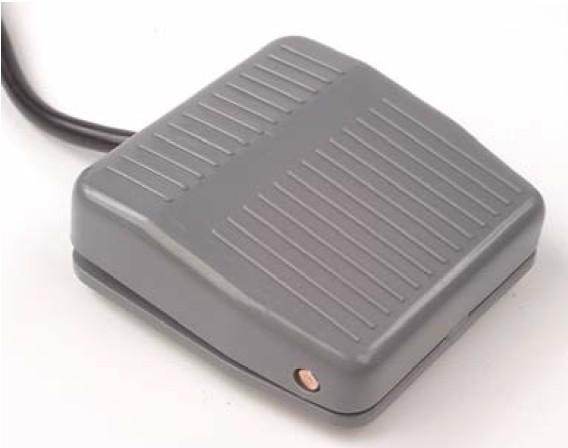 Lábkapcsoló 1 pozíciós nyomó, 10A/250VAC, vezeték 1m, IP50 SW61000