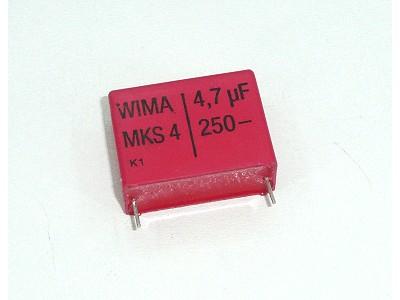 Kondenzátor 4.7uF 250V 10% Poliészter RM-27,5 C 4U7 250/MKT
