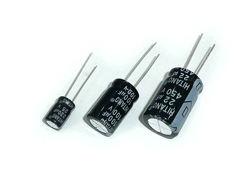 ELKO 10uF 25V 105°C 4x7 álló 10/25P-105 4X7 H -