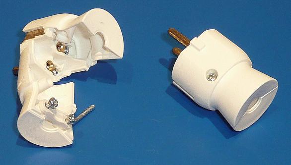 AC 230V földelt dugó 2P+F hátsó vezetékes CSAT-P021/WH1