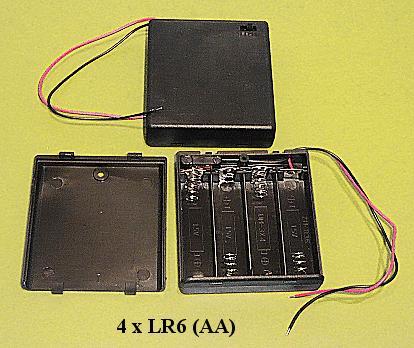 Elemtartó, házba építve, kapcsolóval 4xR6 (4-ceruza) BAT.H.SN-18HSW
