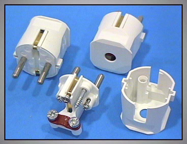 AC 230V földelt dugó 2P+F (fehér) CSAT-P020/W