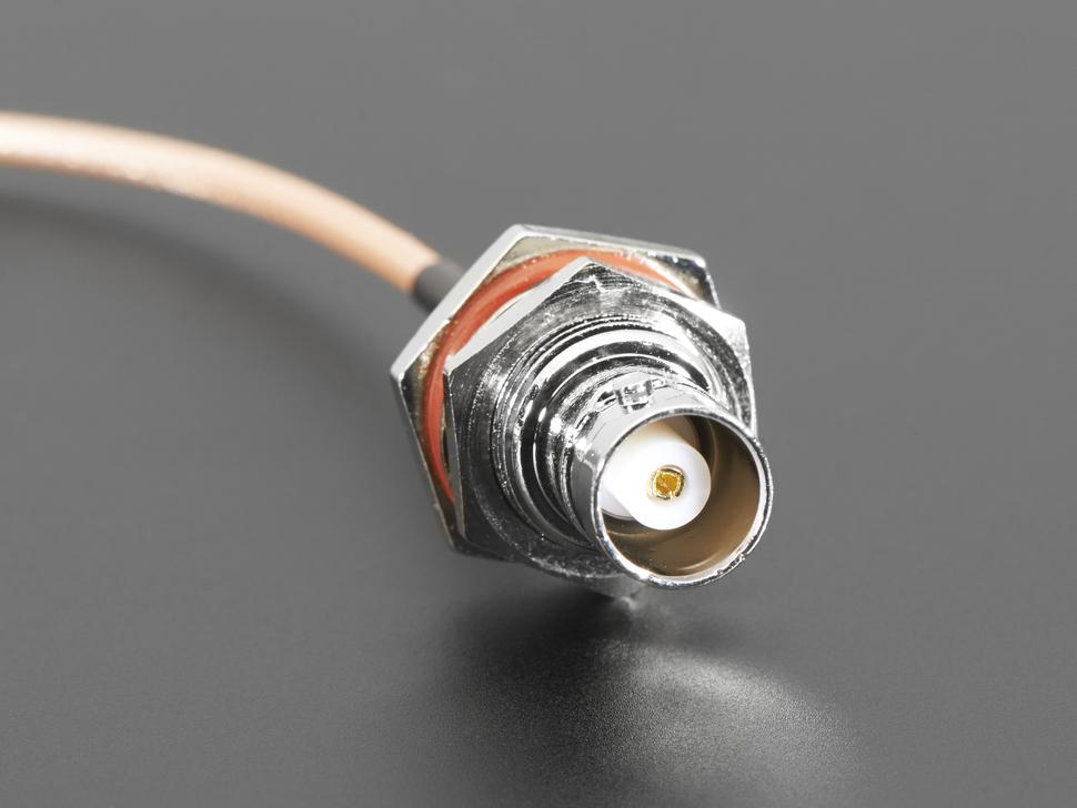 MCX dugó - BNC aljzat adapter 14cm kábelen DEV CABLE MCX-BNC -